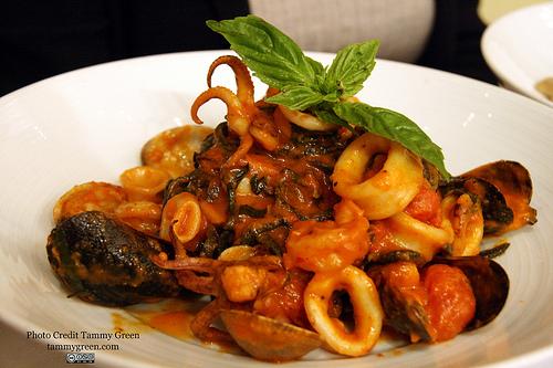 The Spaghetti Neri Fruitti di Mare had a kick that made my mouth happy.