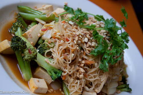 Lulu's   Spicy Dragon Noodles